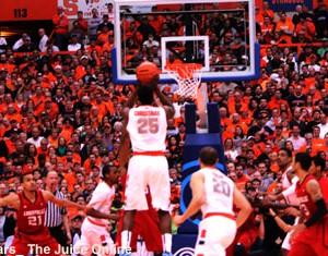 Syracuse forward Rakeem Christmas shoots