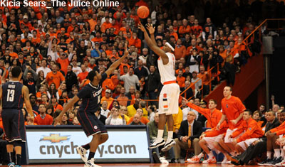 Syracuse G CJ Fair shoots from the perimeter