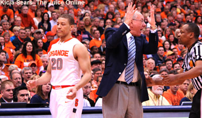 Syracuse coach Jim Boeheim gets frustrated