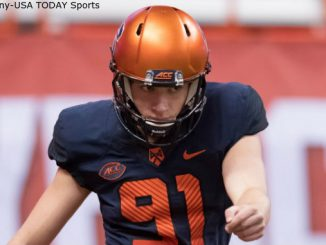 Syracuse kicker Andre Szmyt attempts a field goal