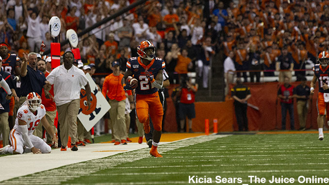 Syracuse running back Moe Neal