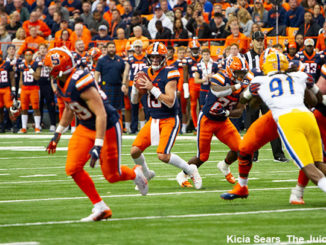 Syracuse Orange quarterback Tommy DeVito