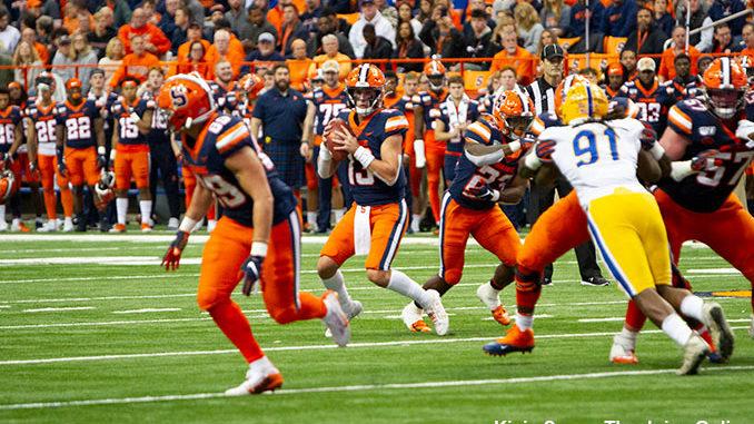 Syracuse Orange quarterback Tommy DeVito